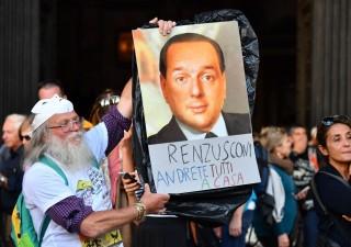 Berlusconi lancia candidato a sorpresa mentre Renzi perde punti