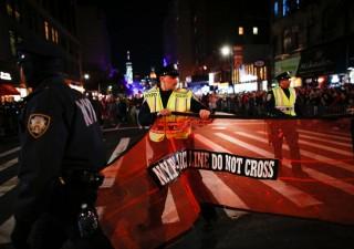 Attacco a Manhattan: furgone investe la folla, otto morti
