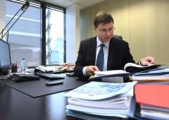 """Ue, ultimatum all'Italia: """"debito troppo alto, rischia inadempienza"""""""