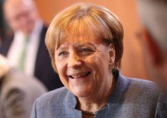 """Merkel apre a Schulz: """"Nuove elezioni sarebbero grosso sbaglio"""""""