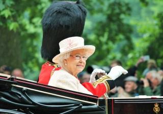 Paradise Papers, svelati conti off shore di politici e VIP: ci sono Soros e Regina Elisabetta