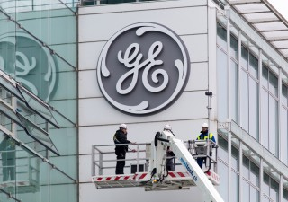 Alert General Electric: utili sotto le stime e flusso di cassa negativo