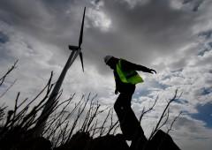 Energia: in Italia transizione non decolla, prezzi famiglie in aumento