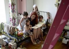 Governo dimezza bonus bebè, tassa i farmaci ma fa sconti alle badanti