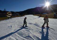 Niente neve sulle Alpi, stazioni sciistiche in crisi