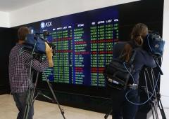 Cambiano gli indici di borsa, meno banche e più tech