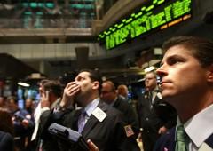 Borse in rosso, pagano rischi geopolitici. Bitcoin sfonda i $12mila