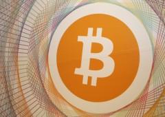 Bitcoin cede il 40% dai massimi di domenica