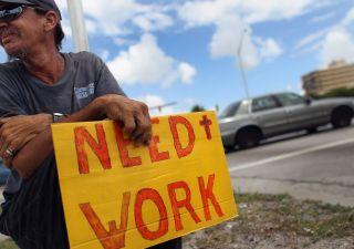 Polemiche sul lavoro: occupazione ai livelli pre-crisi, ma crescono precari
