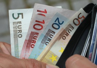 Debito pubblico si impenna: +194 miliardi a fine 2020