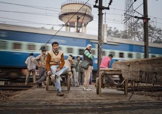 Petrolio e tassi rischiano di far deragliare la locomotiva indiana