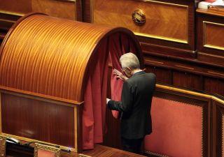 Monti fa anti politica: