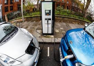 Auto elettriche: boom di immatricolazioni in Italia nei primi otto mesi dell'anno