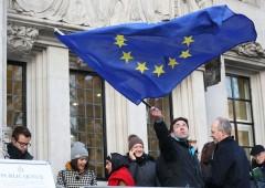 Italiani i più euroscettici in Ue: solo 44% voterebbe per restare