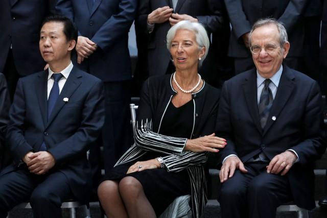 Il ministro cinese delle Finanze Xiao Jie, la direttrice dell'FMI Christine Lagarde e il ministro italiano delle Finanze Pier Carlo Padoan al G20 di Washington lo scorso 21 aprile