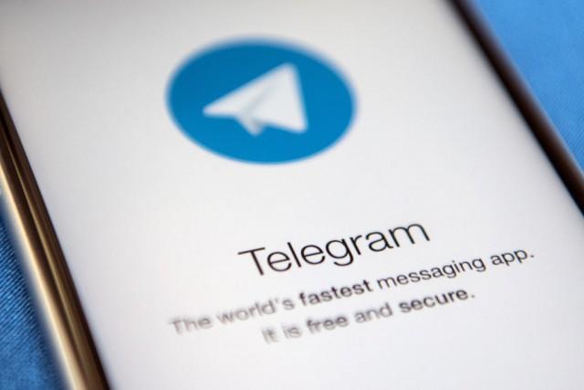 L'App di messaggistica Telegram su uno smartphone: è un sistema di comunicazione considerato sicuro