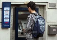 """Truffa ai bancomat: sistema a jackpot fa """"sputare"""" i soldi"""