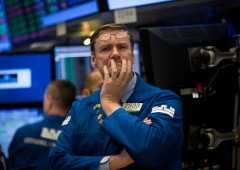 Borse e dollaro deboli: pesa crisi retail, attese per Powell falco