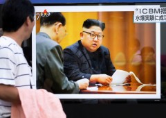Kim Jong-un accolto in pompa magna a Pechino, apre ad accordo con Trump