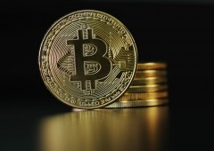 Bitcoin perde ancora quota, sotto $8 mila. Pesa nuovo divieto banche