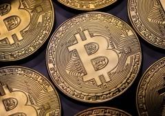 Bitcoin: -30% in un mese, mai cosí male dal 2013. Festa finita?