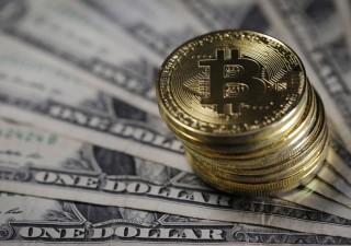 Bitcoin a un passo dal nuovo record, toccata quota 63.200 dollari