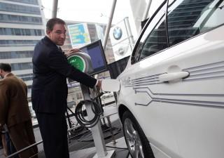 L'Ecobonus mette le ali alle vendite italiane di auto elettriche