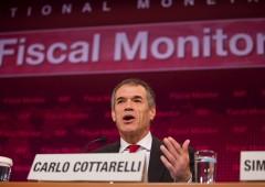 """Cottarelli: """"Senza euro Italia sarebbe cresciuta di più"""""""