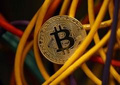 Bitcoin: in fumo $60 miliardi in poche ore