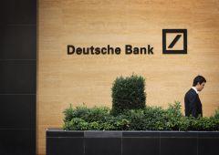 """Deutsche Bank prepara un taglio """"a doppia cifra"""" dei bonus"""