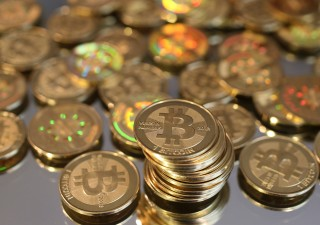 Bitcoin precipita sotto $8 mila. Allianz: