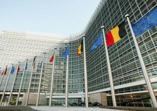 Italiani confusi: non amano Ue, ma preferiscono politici di Bruxelles