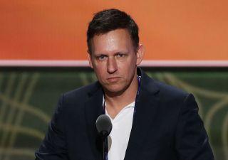 Peter Thiel lascia Cda di Facebook e scappa dalla Silicon Valley