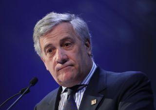 Tajani nella tempesta: