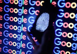 Google nella bufera, nascosto bug: a rischio dati di 500 mila utenti