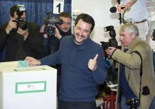 Elezioni, aumentano chance governo tra M5S e Lega
