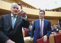 """Germania, ministro Interni: """"Schengen va sospeso"""""""