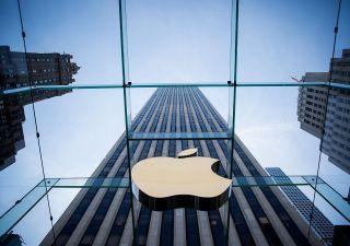 Apple: riflettori sui conti trimestrali, iPhone 12 spingerà ricavi sopra 100 mld