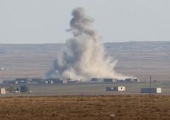 Siria, forze filo governative evacuano aeroporti e basi aeree militari