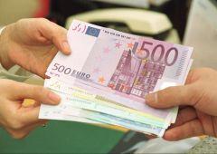 Italiani risparmiano di più: saldi medi più alti, boom conti deposito