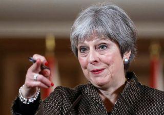 Brexit, May sconfitta: dovrà negoziare accordo unione doganale