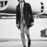 Trench coat Herno; completo Tagliatore; camicia Alessandro Gherardi; cravatta Corneliani