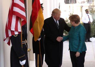 Dazi, Merkel avverte Trump: