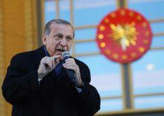 Turchia: lira in caduta libera, banca centrale alza i tassi