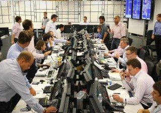 Borse europee sfruttano assist Wall Street, resistono a euro forte