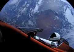 Tesla: Musk ordina cambi al vertice, Islanda lo corteggia