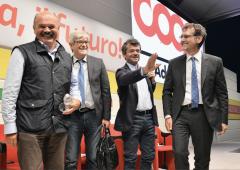 Coop Alleanza in rosso: a rischio soci e lavoratori