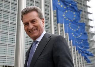 Oettinger si rimangia tutto: