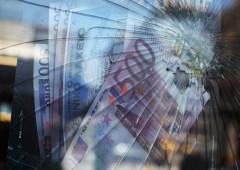 Colpito dai rischi politici, euro è pronto alla riscossa. Grazie a Draghi