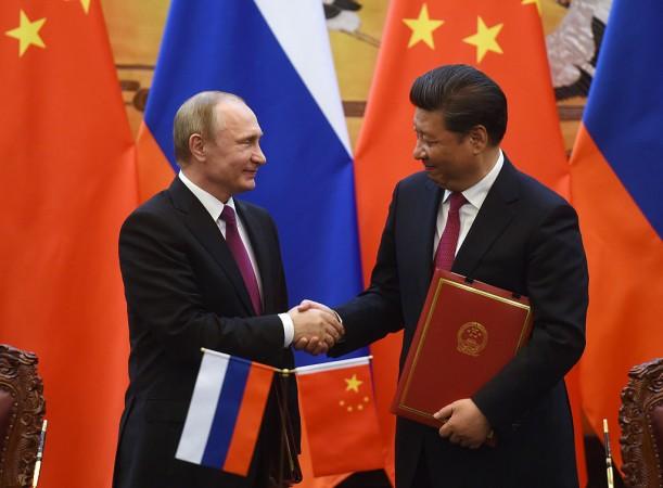I due leader di Russia e Cina si sono visti per la prima volta nel 2018: l'incontro è avvenuto prima del vertice del 9 giugno della Shanghai Cooperation Organization nella città portuale cinese di Qingdao.